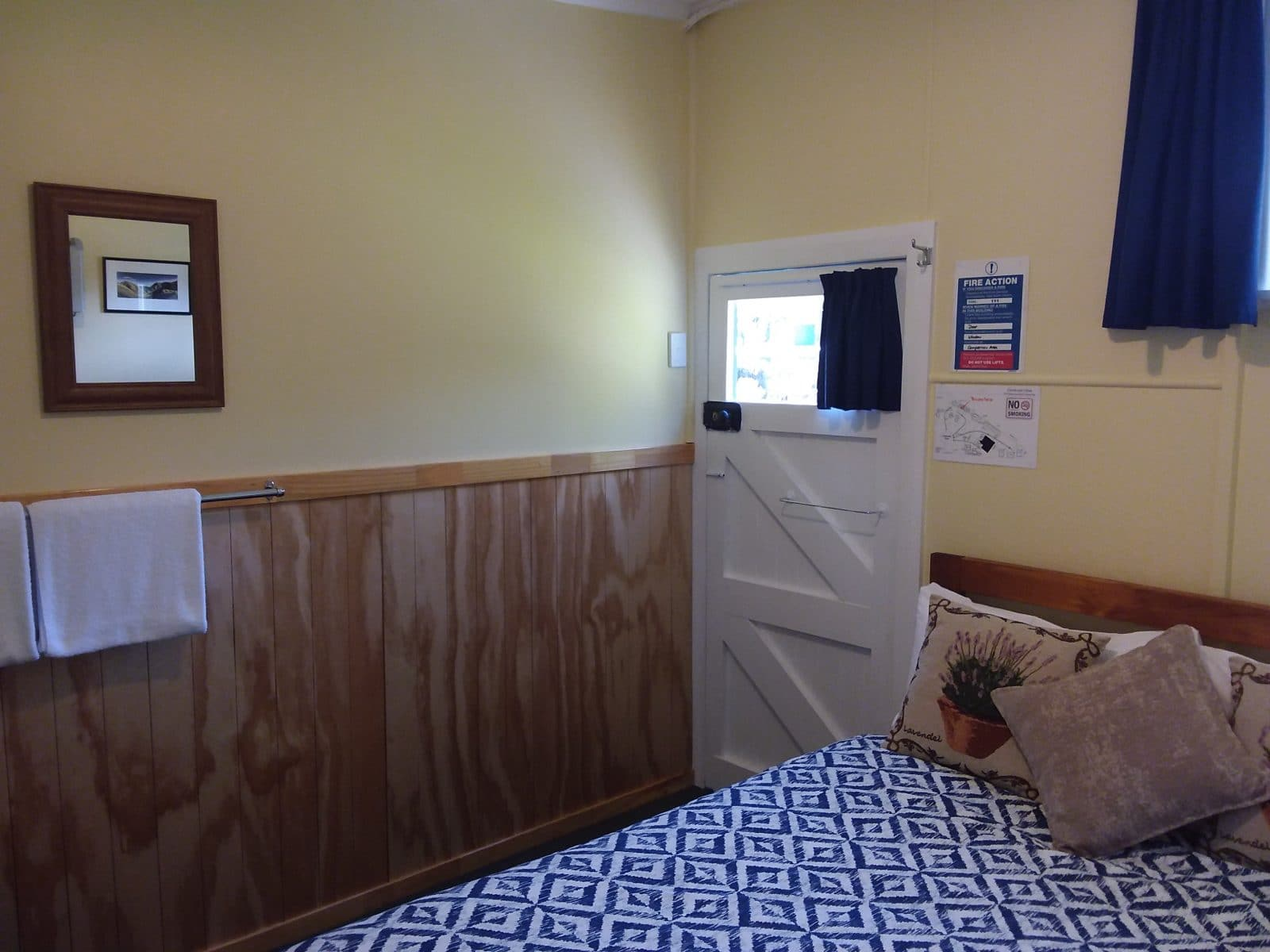 Cabin 3 pic 4