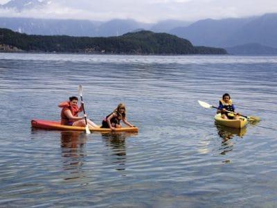 kayaking-min-400x300